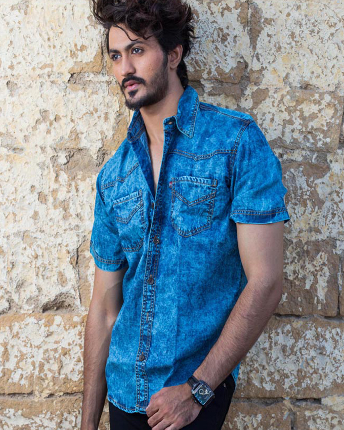 058ca393 YOUNG MEN'S RANDOM WASH OVER DYED SHORT SLEEVES TURQUOISE DENIM SHIRT
